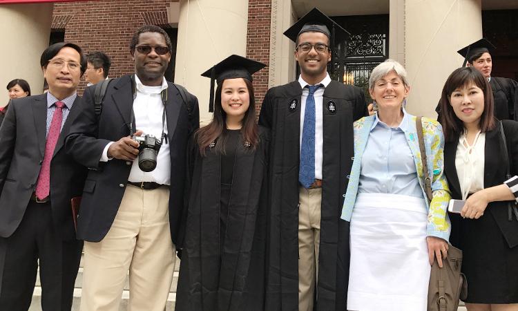 Bí mật của gia đình có hai con vào Harvard - Đời sống