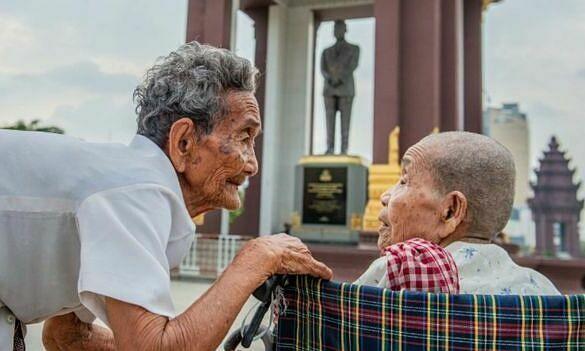 Cụ bà 98 tuổi đoàn tụ chị gái sau 47 năm xa cách - Đời sống