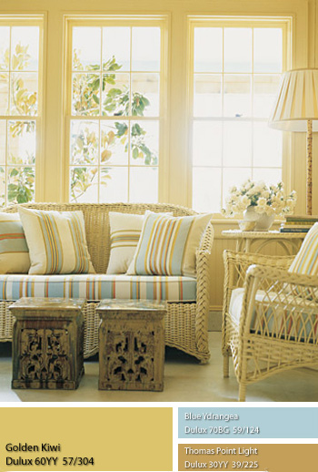 Tường sơn màu vàng đá quý giúp căn phòng tràn ngập ánh nắng