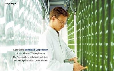 Spirulina được sản xuất bởi công nghệ sinh học hiện đại.