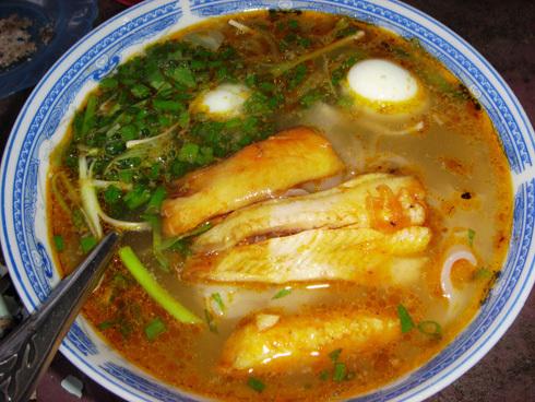 Bánh canh cá lóc mang lại hương vị khó quên cho những ai đã từng đến Huế