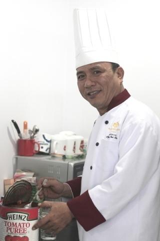 Anh Nguyễn Thanh Tùng – Bếp trưởng Palace Hotel.