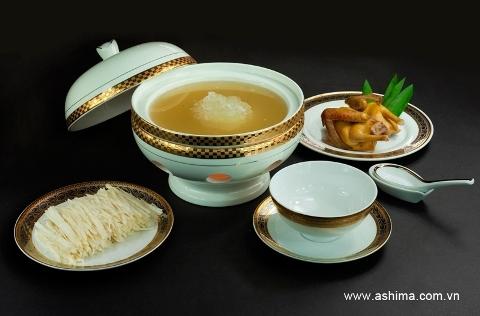 Món Súp yến với nấm nổi tiếng tại nhà hàng Ashima.