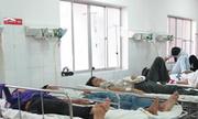 Công ty suất ăn CN lách lệnh cấm, 300 công nhân ngộ độc