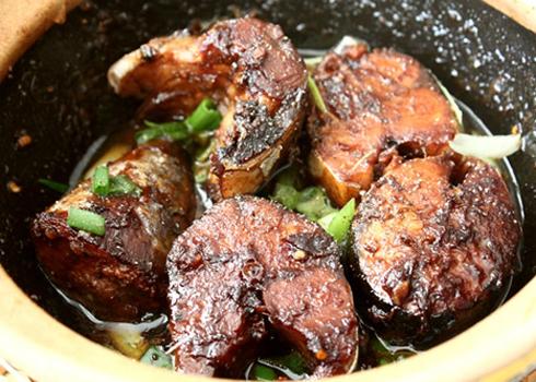 Cá nục là một loại cá biển rất phổ biến, có thể dùng để nấu canh, hấp, kho... Ảnh: Ngoisao.