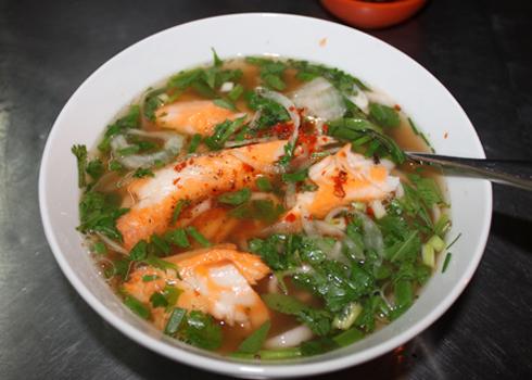 Bánh canh cá lóc là món ăn đặc sản của người dân miền Trung. Ảnh: Khánh Hòa.