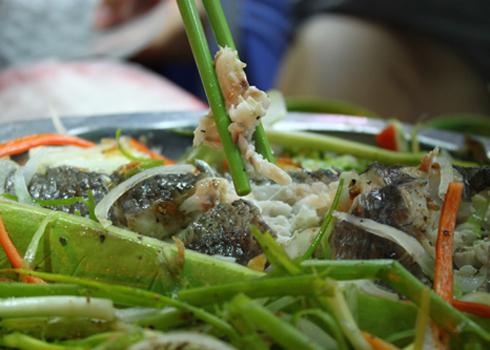 Vị ngọt của thịt cá cùng vị ngọt của bầu hòa quyện vào nhau đem lại sự ngon miệng cho người ăn. Ảnh: Khánh Hòa.