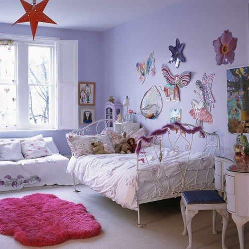 Classic-pale-painted-childs-bedroom-with