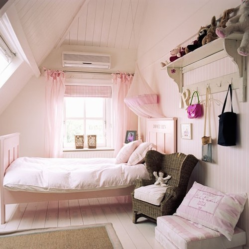 Classic-pink-childs-bedroom-with-painted