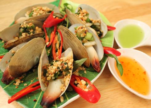 Tùy theo loại hải sản hay sở thích mà bạn lựa chọn cách chế biến cho phù hợp, bạn có thể lựa chọn nướng mỡ hành..