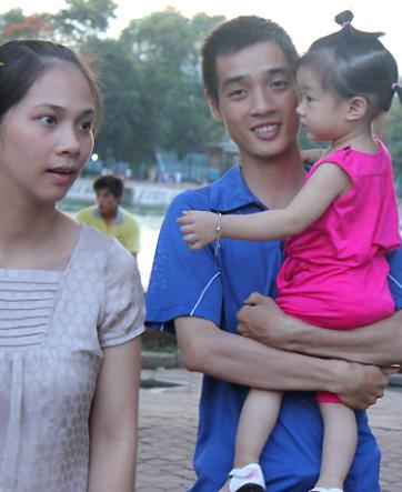 Những gia đình sinh con gái theo đúng chính sách, có thể sẽ được hỗ trợ tài chính.Ảnh minh họa: Minh Thùy.