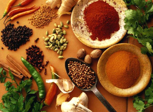 Tránh ăn các gia vị, thức ăn cay, nóng.