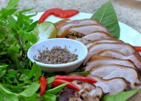 Thịt lợn Mán ít mỡ, ăn có vị ngon rất ngon và không có cảm giác ngấy.