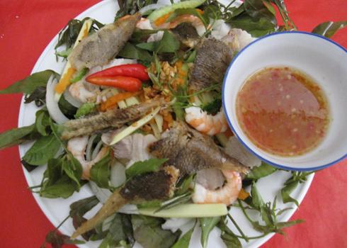 Gỏi sầu đâu nổi tiếng của vùng Châu Đốc - An Giang.