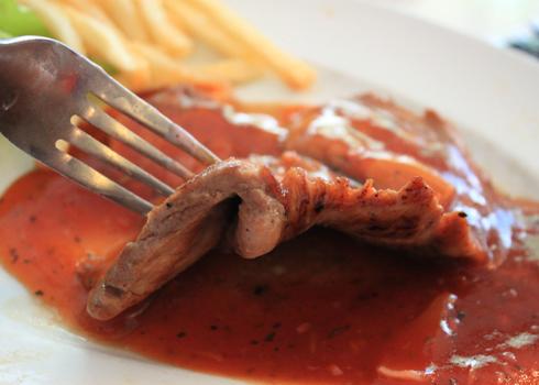 Các loại nước sốt của quán với hương vị thơm ngon khác nhau đem đến cho người ăn nhiều sự lựa chọn.