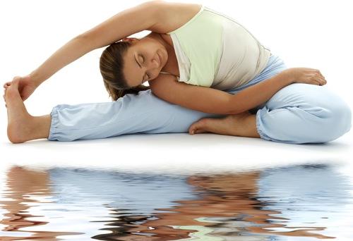 Tập yoga có thể giúp giảm stress hiệu quả. Ảnh: theyogalounge
