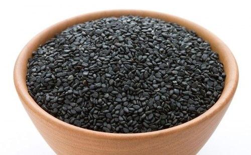 Mè đencó thể chế biến thành các món ăn tốt cho tóc.