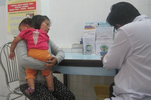 Số lượng trẻ đến khám vì tiêu chảy tăng cao trong thời tiết nắng nóng.