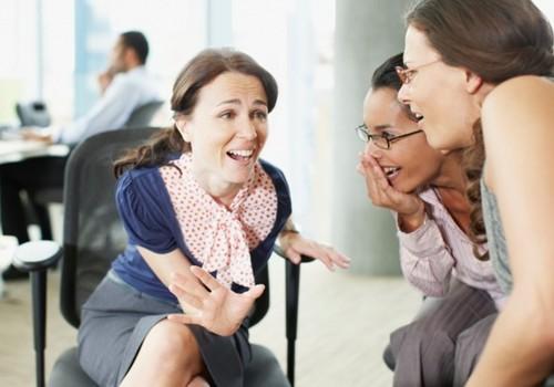 Mỗi ngày dành ra khoảng 20 phút để nói chuyện phiếm sẽ giúp giảm căng thẳng, mệt mỏi.