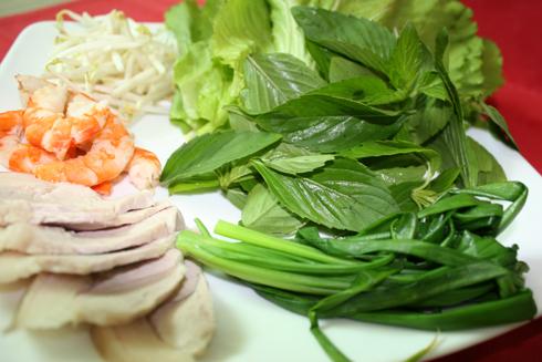 Cách làm món cải xanh cuốn tôm ngon 1