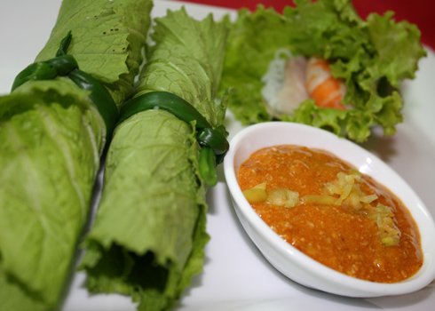 Cách làm món cải xanh cuốn tôm ngon 5