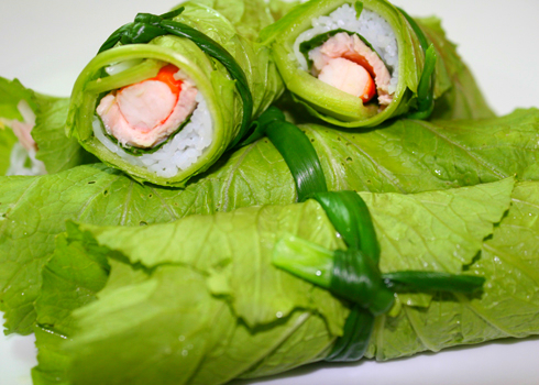 Cách làm món cải xanh cuốn tôm ngon