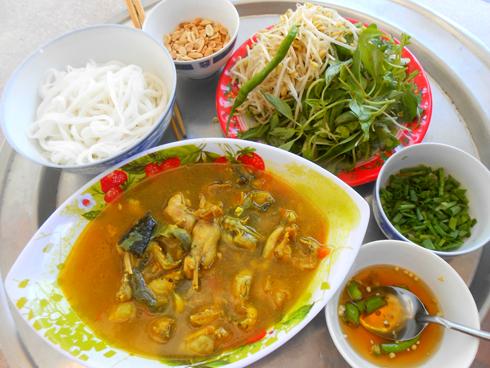 Cách làm món mì Quảng thịt ếch ngon