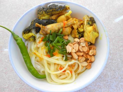 Cách làm món mì Quảng thịt ếch ngon 4