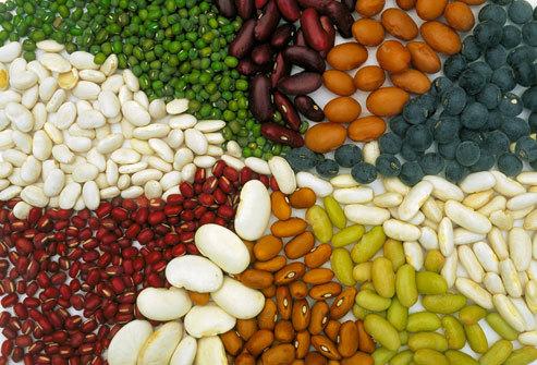 Người bị huyết áp cao nên tận dụng các loại ngũ cốc toàn phần. Ảnh: webmd