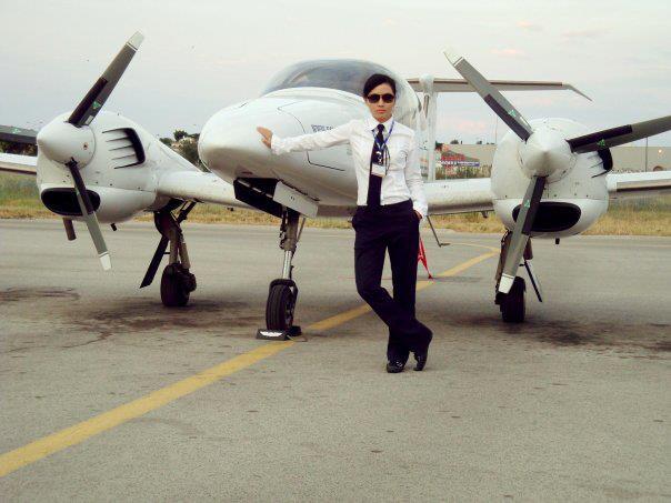 Ảnh nữ phi công xinh đẹp của Việt Nam Airline