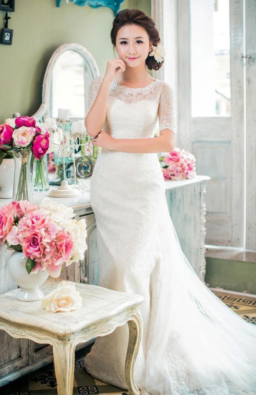 """Dáng váy cưới đuôi cá tiếp tục được dự báo là """"cơn sốt"""" trong mùa cưới năm nay. Ảnh: Lek Chi Bridal."""