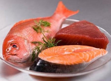 Thịt cá bảo quản trong tủ lạnh không nên để quá lâu. Ảnh: Yduoc.