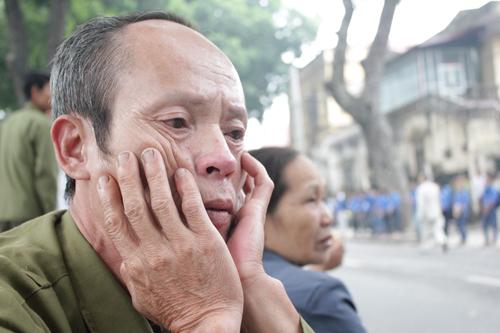 Từ khi nghe tin buồn, ông Thảo đã khóc rất nhiều và nhớ lại nhiều kỷ niệm thời chiến.