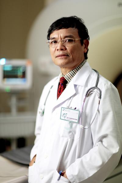 PGS,TS, BS, thầy thuốc nhân dân Nguyễn Xuân Thành.