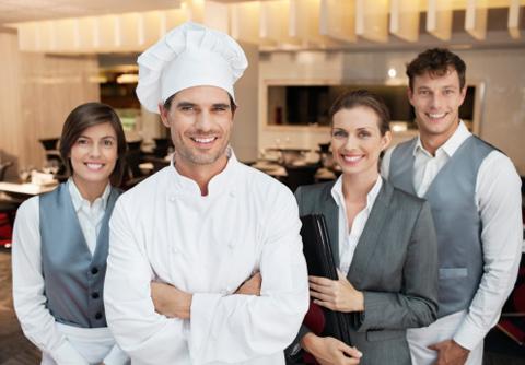 Chương trình học tại hai trường chuyên về quản lý khách sạn và du lịch, doanh thu tài chính, kinh doanh tiếp thị và quản lý nhân sự.
