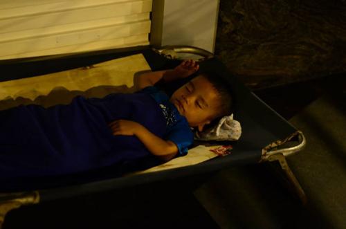 Phận đời vô gia cư trong đêm mưa Sài Gòn