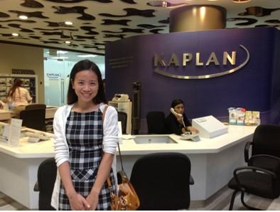 Kaplan Singapore hiện có hơn 24.000 sinh viên với hơn 4.800 sinh viên quốc tế theo học các chương trình toàn thời gian, trải rộng ở hai khu học xá.