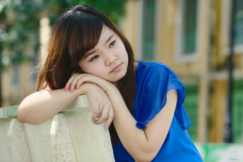 sad-girl-in-blue-top-other1-1344-1385548