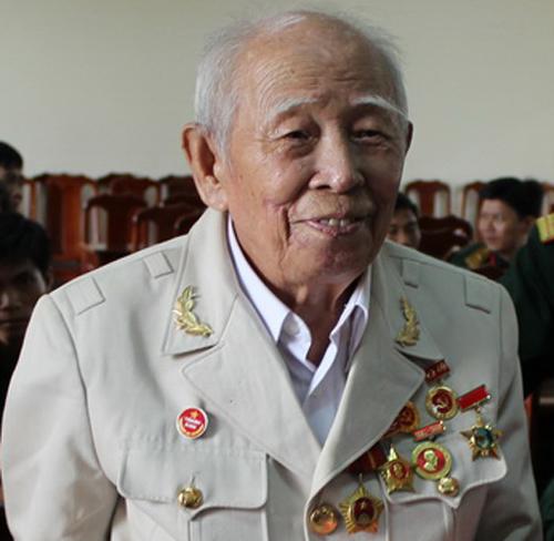 cu-gia-thuong-binh-1-2493-1386904573.jpg