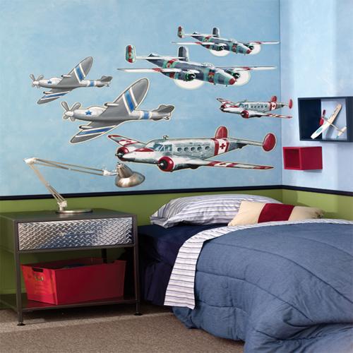 Rất nhiều em mơ ước được trở thành phi công, chinh phục bầu trời.