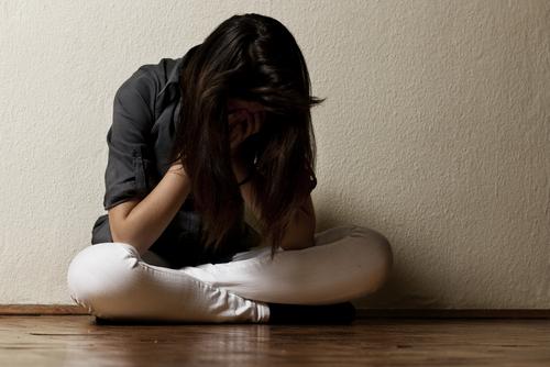 Thanh thiếu niên bị trầm cảm thường cảm thấy cuộc sống vô vị hay cảm thấy mình vô dụng. Ảnh: drnohle.