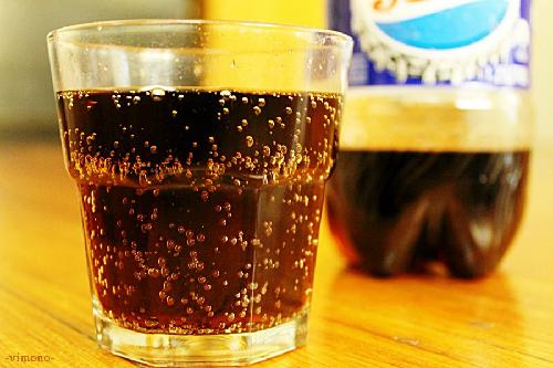 Nước uống có ga làm tăng nguy cơ đột quỵ. Ảnh: huffpost