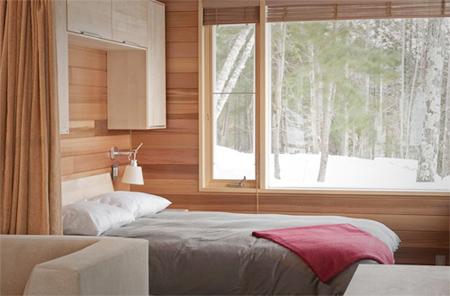 Đóng hết cửa sổ vào ban đêm tránh bạn phân tâm vào khung cảnh bên ngoài.