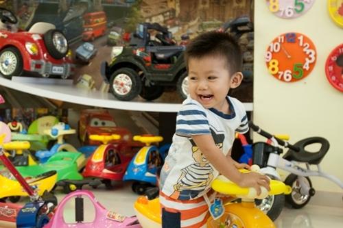 Lưu ý khi mua đồ chơi cho trẻ
