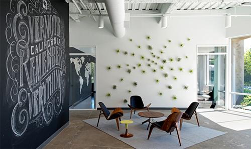 Với một ngân sách hạn hẹp, các nhà thiết kế vẫn tìm ra được hướng thiết kế cho khu văn phòng rộng tới 80.000 m2. Evernote là hãng cung cấp các ứng dụng ghi chú qua web.
