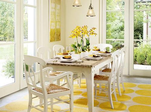 Màu vàng ấm cúng hay được sử dụng trong các phòng bếp, phòng ăn. Ảnh: Colorchats.
