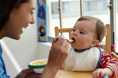 feeding-baby-4701-1391737920.jpg