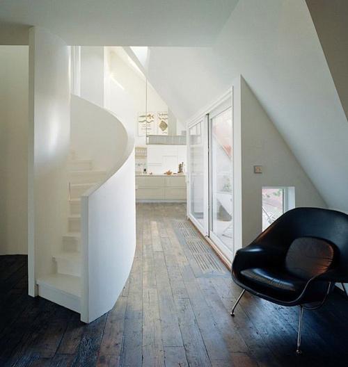 q1 6 7151 1392108101 Cầu thang xoắn ốc cho nhà nhỏ hẹp