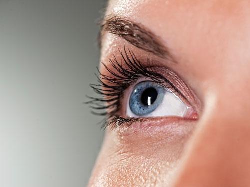 Đôi mắt con người có nhiều khả năng đặc biệt. Ảnh: Womansday.