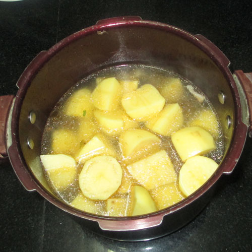 Canh rau cần nấu khoai tây 2